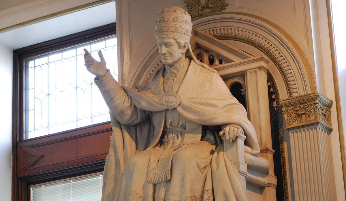 Pope Leo statue