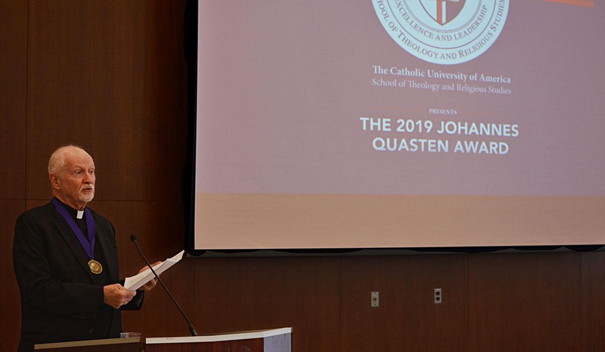 Very Rev John Ericsson receives the Quasten Award